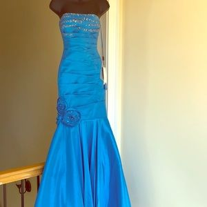 NIGHT MOVES sz 2 turquoise gown prom formal dress